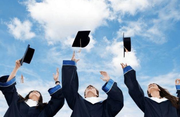 """大学生就业和考研现状 不适合考研的3类学生,容易沦为""""陪跑者"""",不如选择直接就业"""