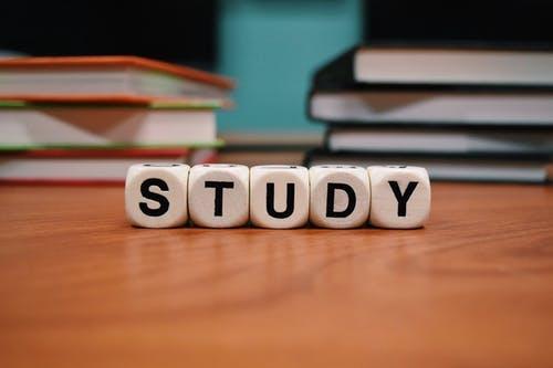 同等学力硕士与MBA,在职升学历要如何选择?